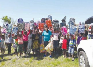 The Beauty Grootboom Foundation and FNB donated backpacks to learners for school