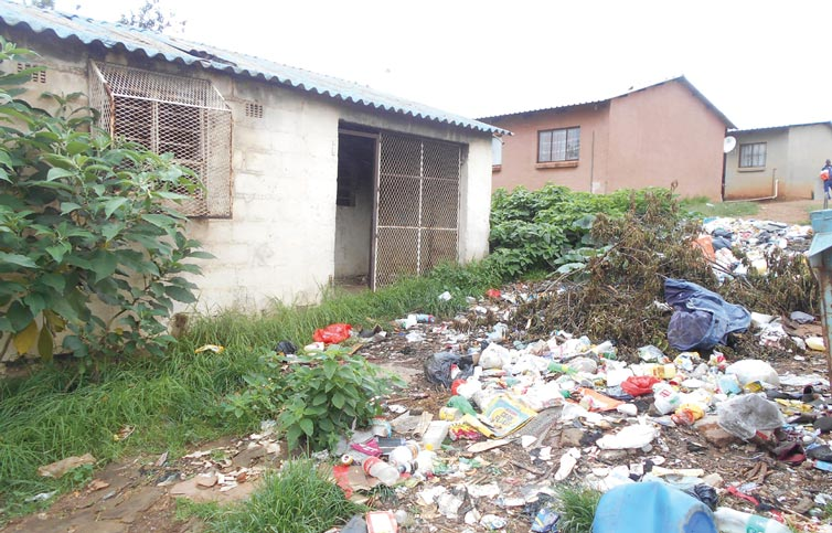 Mkhondo Municipality - Thokozani Streets are Looking like Dump Sites