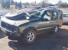 Six Czech tourists in accident on local soil