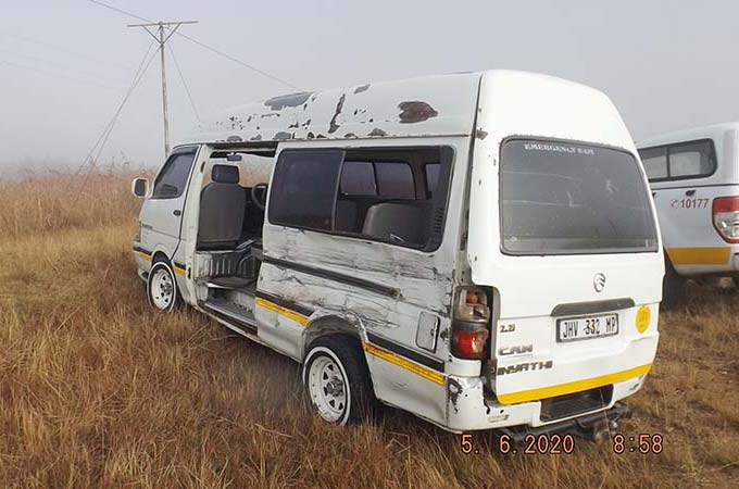 Taxi Bus Accident on misty road