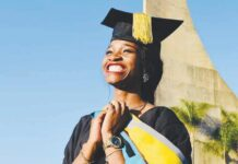 Nqobile Mdletshe receives her Honours Degree