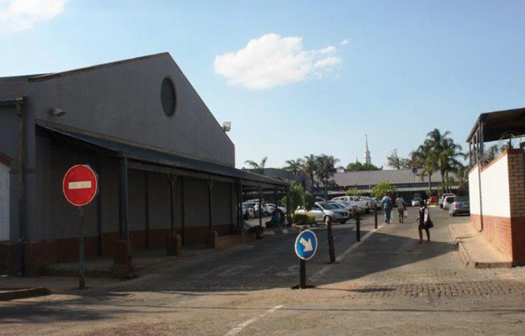 The enterance at the Piet Retief Shopping Centre