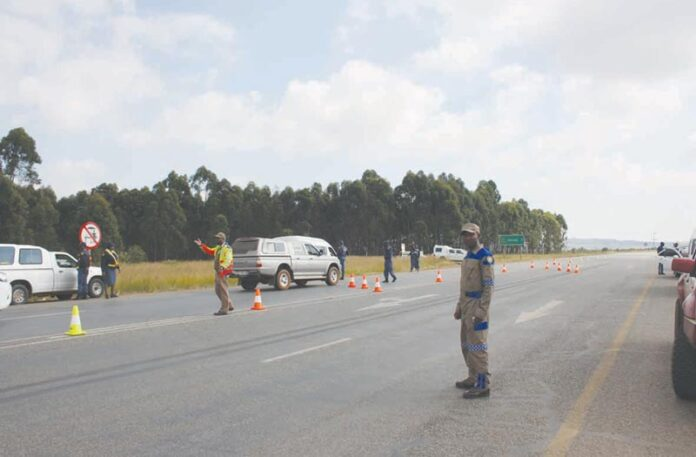 Roadblocks across Mkhondo