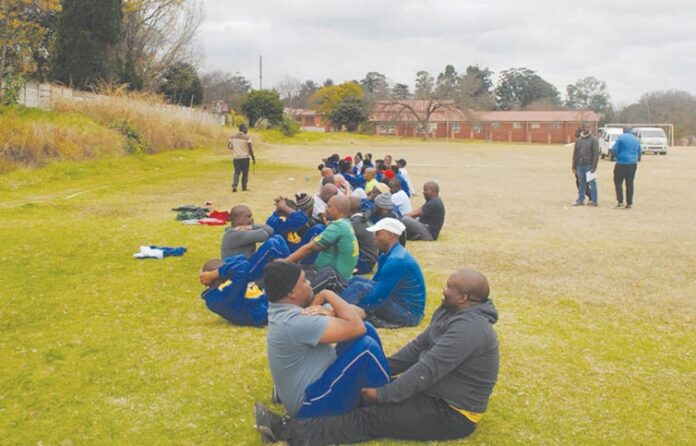 SAPS-officers Complete a Fitness Test