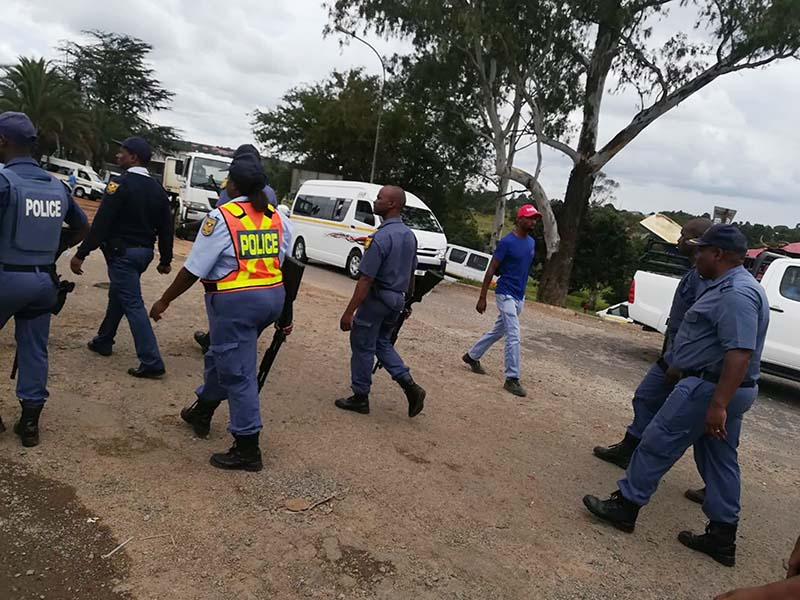 Police officers were quickly on the scene at the Mkhondo Taxi Rank
